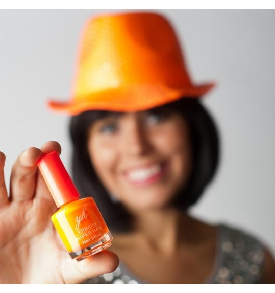 Vernis à ongles orange