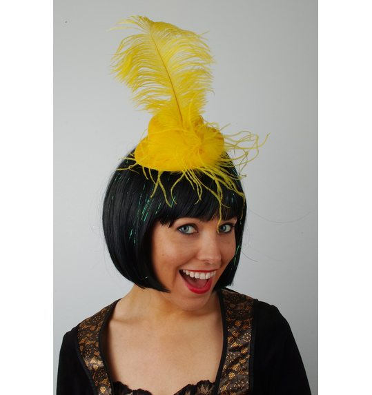 Hat with feather Yellow