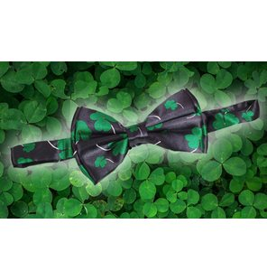 Bow tie with clover pattern