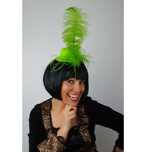 Hat with plume Green