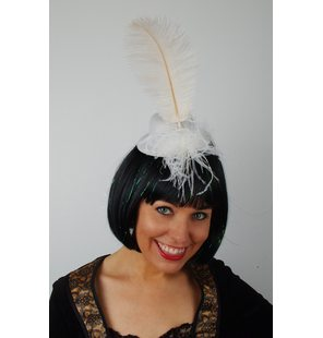 Hat with plume White